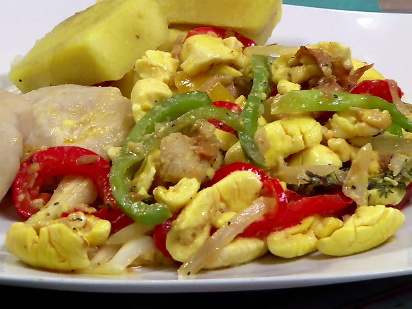 DV1012H_ackee-and-saltfish_s4x3
